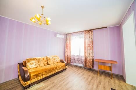Сдается 1-комнатная квартира посуточнов Хабаровске, улица Лейтенанта Орлова 8.