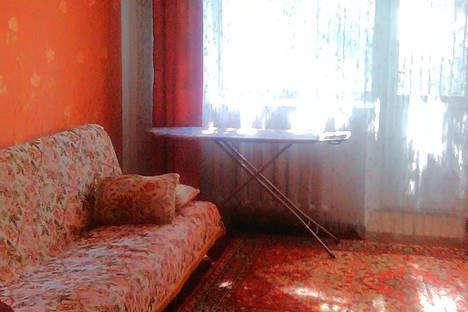 Сдается 2-комнатная квартира посуточно в Кызыле, улица Кечил-оола, 3.