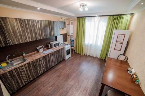 Сдается 2-комнатная квартира посуточнов Новочебоксарске, улица Ивана Франко, 7.
