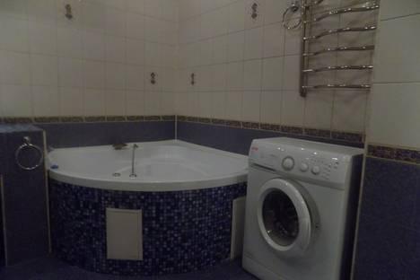 Сдается 2-комнатная квартира посуточно в Туле, улица Дмитрия Ульянова 2.