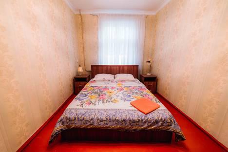 Сдается 3-комнатная квартира посуточно в Чебоксарах, улица Текстильщиков, 3.