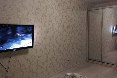 Сдается 1-комнатная квартира посуточно в Кирове, улица Современная, 9.