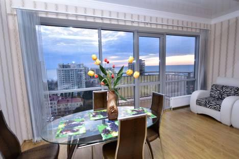 Сдается 2-комнатная квартира посуточнов Сочи, улица Альпийская 1/3.
