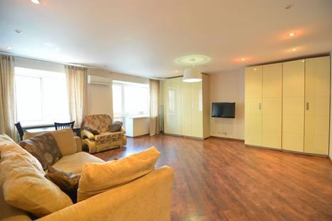Сдается 2-комнатная квартира посуточнов Хабаровске, улица Истомина, 34.
