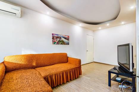 Сдается 2-комнатная квартира посуточно, улица Мечникова, 146а.