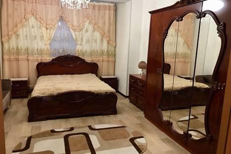 Сдается 1-комнатная квартира посуточно в Сургуте, проспект Мира, 17.