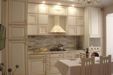 Сдается 2-комнатная квартира посуточно в Симферополе, улица Луговая, 6H.