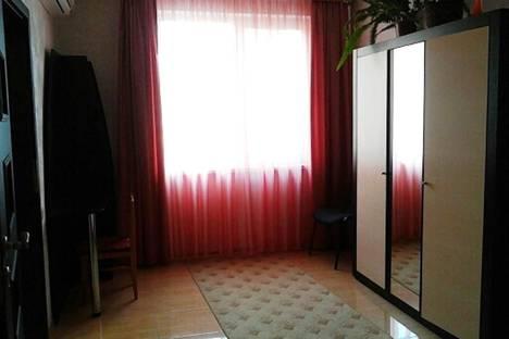Сдается 2-комнатная квартира посуточно в Ялте, улица Чехова, 5.
