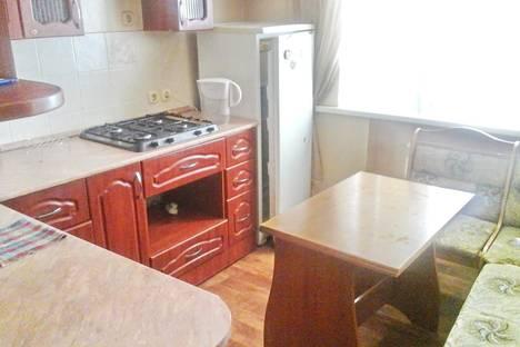 Сдается 1-комнатная квартира посуточно в Россоши, Пролетарская улица 75.