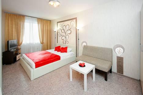 Сдается 1-комнатная квартира посуточно в Челябинске, улица Академика Сахарова, 30.