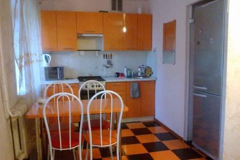 Сдается 3-комнатная квартира посуточно в Ижевске, Зенитная улица, 5.