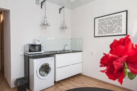Сдается 1-комнатная квартира посуточнов Тюмени, улица Николая Семенова, 31.