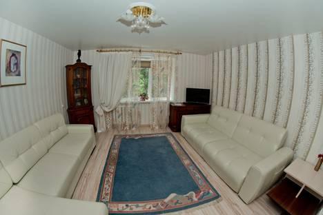 Сдается 2-комнатная квартира посуточно, улица Ветковская 6.