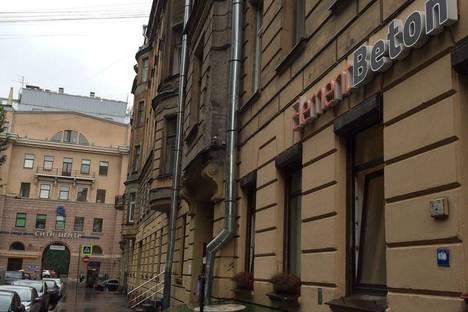 Сдается 1-комнатная квартира посуточнов Санкт-Петербурге, Малая Посадская улица 25/4.