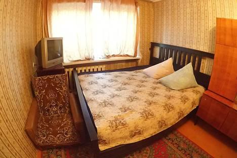 Сдается 2-комнатная квартира посуточно в Омске, проспект Мира 23.