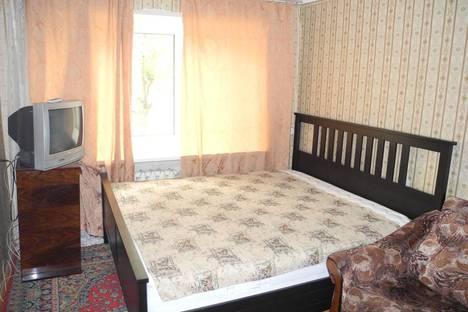 Сдается 2-комнатная квартира посуточнов Омске, проспект Мира 23.