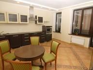 Сдается посуточно 3-комнатная квартира в Тюмени. 90 м кв. ул. 50 лет Октября, 80