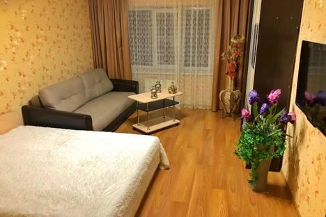 Сдается 2-комнатная квартира посуточно, улица Ленина, 417 ИлитБ.