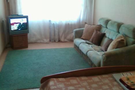 Сдается 1-комнатная квартира посуточнов Ангарске, 32 микрорайон дом 4.
