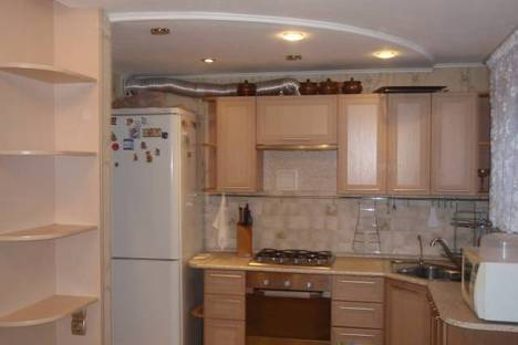 Сдается 3-комнатная квартира посуточно в Чебоксарах, Ленинского комсомола 50.