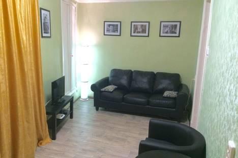 Сдается 2-комнатная квартира посуточно, Восстания д.1.