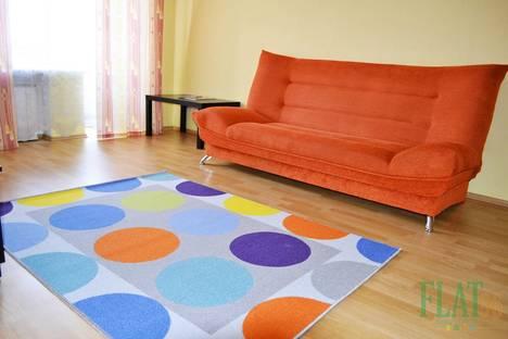 Сдается 1-комнатная квартира посуточнов Екатеринбурге, Попова 25.