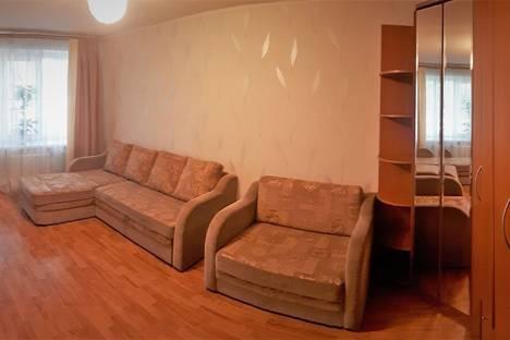 Сдается 1-комнатная квартира посуточнов Берёзовском, ул. Блюхера 57.