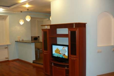 Сдается 2-комнатная квартира посуточно в Вологде, ул. Зосимовская, 63.