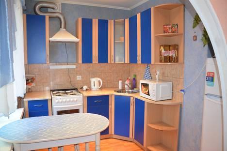 Сдается 2-комнатная квартира посуточно в Вологде, ул. Батюшкова, 9.