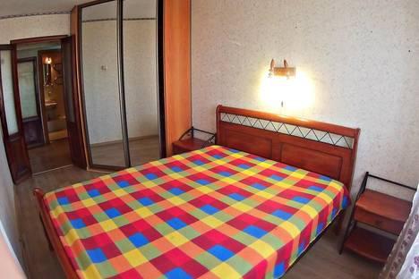 Сдается 2-комнатная квартира посуточново Владивостоке, проспект 100-Летия Владивостокy, 58.