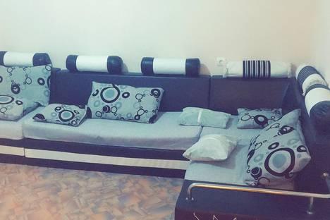 Сдается 2-комнатная квартира посуточно в Чите, улица Шилова 43.