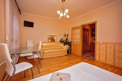 Сдается 1-комнатная квартира посуточно в Санкт-Петербурге, 5-я Советская улица, 47.