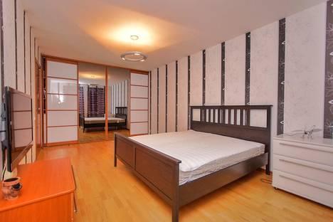 Сдается 2-комнатная квартира посуточно в Санкт-Петербурге, ул. Кораблестроителей, 41.