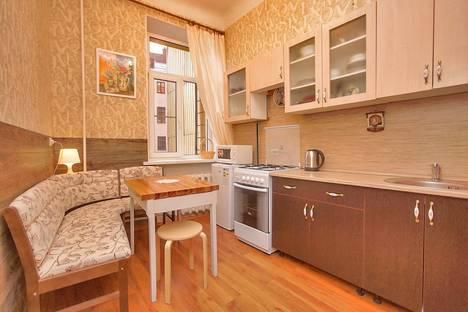 Сдается 2-комнатная квартира посуточнов Санкт-Петербурге, Кронверкский проспект 73/39.