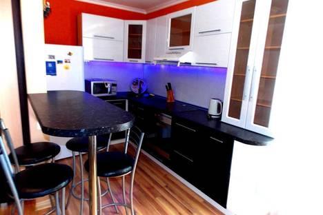 Сдается 1-комнатная квартира посуточнов Тюмени, Мыс, улица Малиновского, 8.