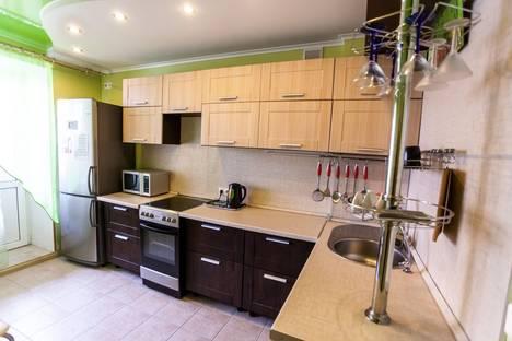 Сдается 2-комнатная квартира посуточнов Тюмени, улица Беляева, 33.