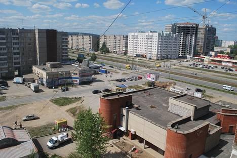 Сдается 1-комнатная квартира посуточно в Нижнем Тагиле, улица Захарова, 1.