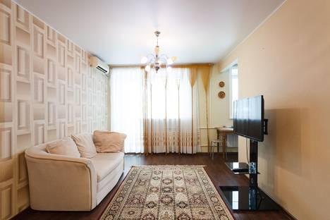 Сдается 2-комнатная квартира посуточнов Хабаровске, улица Тургенева, 62.
