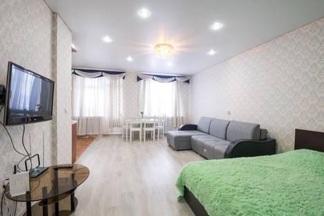 Сдается 1-комнатная квартира посуточно в Казани, улица Тихомирнова, 1.