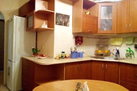 Сдается 2-комнатная квартира посуточно в Костроме, улица Давыдовский 1 микрорайон 2.