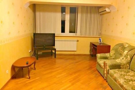 Сдается 2-комнатная квартира посуточно в Ростове-на-Дону, улица Народного Ополчения, 207.