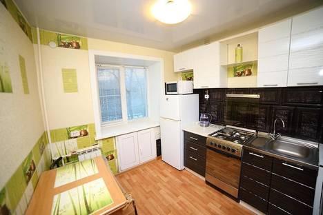 Сдается 2-комнатная квартира посуточно, улица Шеронова, 95.