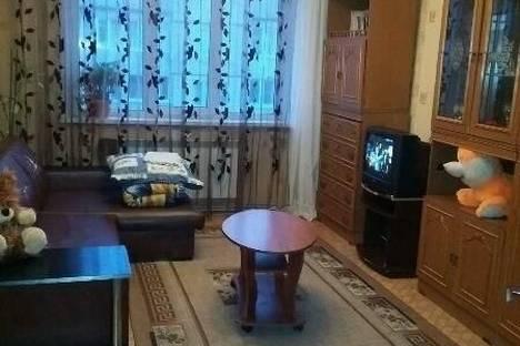 Сдается 3-комнатная квартира посуточнов Гусе-Хрустальном, Коммунистическая улица, 4.