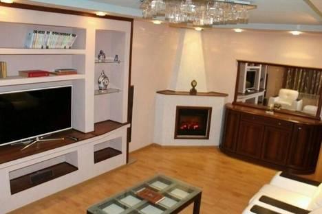 Сдается 2-комнатная квартира посуточнов Гусе-Хрустальном, ул. Муравьева-апостола, 14.