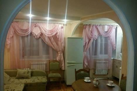 Сдается 2-комнатная квартира посуточнов Гусе-Хрустальном, улица Менделеева, 19.