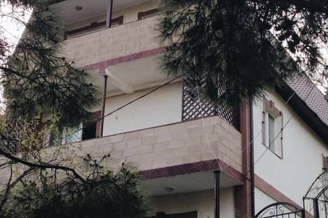 Сдается коттедж посуточно в Форосе, улица Космонавтов, 5,3 этаж.