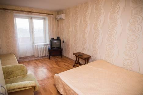 Сдается 1-комнатная квартира посуточно в Новочеркасске, Баклановский проспект 192a.
