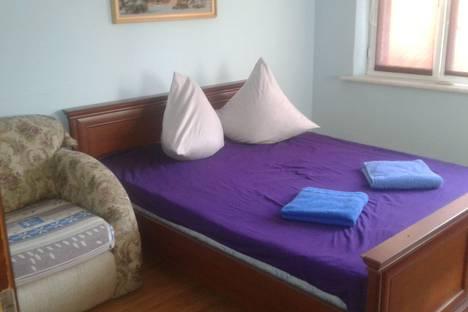 Сдается 2-комнатная квартира посуточнов Сочи, улица Чайковского, 8.