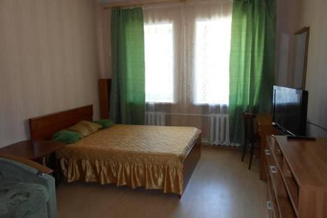 Сдается 3-комнатная квартира посуточно, улица Рыкачева, 10.