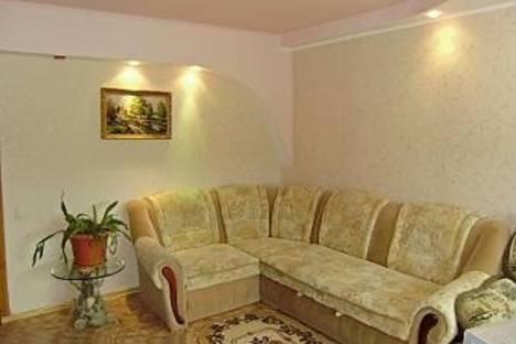 Сдается 3-комнатная квартира посуточно в Судаке, Крым,улица Бирюзова  д.2.